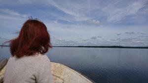 Ringsjön ligger spegelblank - badsugen? Foto: Rebecka Thise